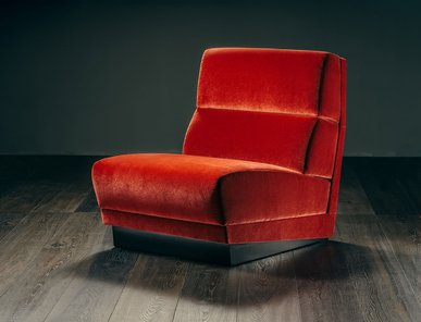Итальянское кресло SENZA FINE фабрики GIOPAGANI