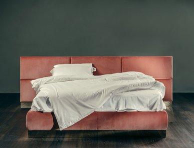 Итальянская кровать SENZA FINE фабрики GIOPAGANI