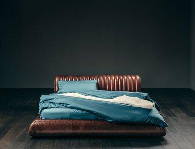 Итальянская кровать VOYAGE D'UNE NUIT фабрики GIOPAGANI