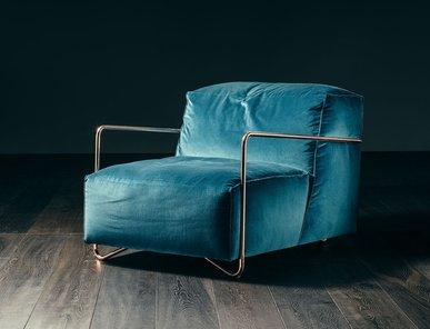 Итальянское кресло JE T'ATTENDS фабрики GIOPAGANI