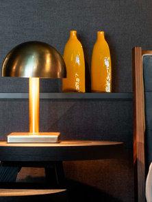 Итальянская настольная лампа Icon фабрики MAZZALI