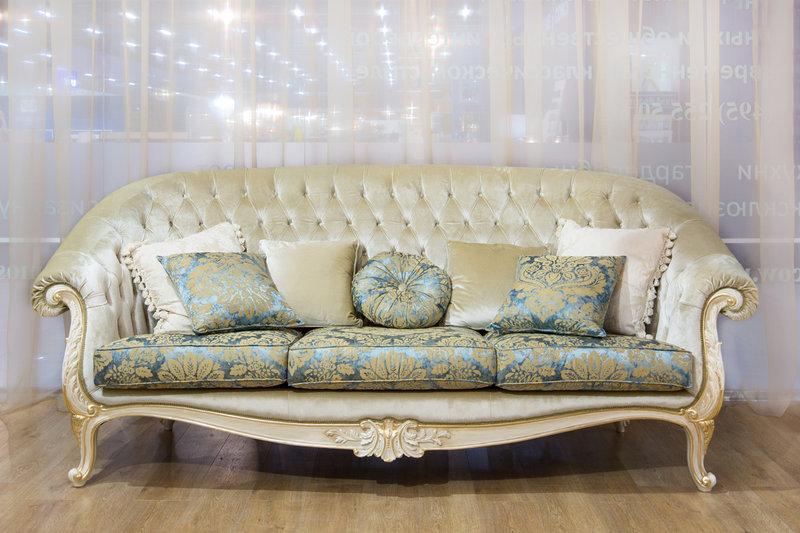 В шоу-руме: итальянская мягкая мебель фабрики CARLO ASNAGHI