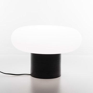 Итальянская настольная лампа Itka Black фабрики ARTEMIDE