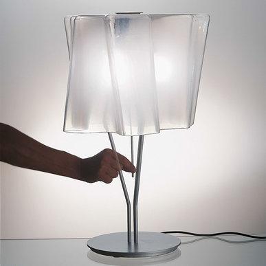 Итальянская настольная лампа Logico Mini Silk gloss/Aluminum gray фабрики ARTEMIDE