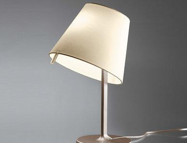 Итальянская настольная лампа Melampo night Bronze фабрики ARTEMIDE