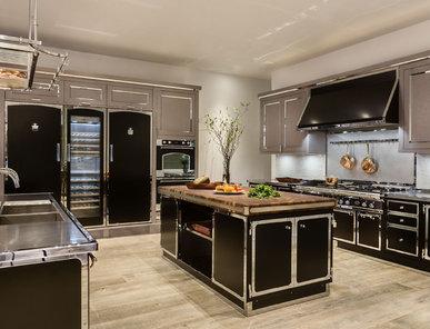 Итальянская кухня JET BLACK & SATIN CHROME фабрики OFFICINE GULLO
