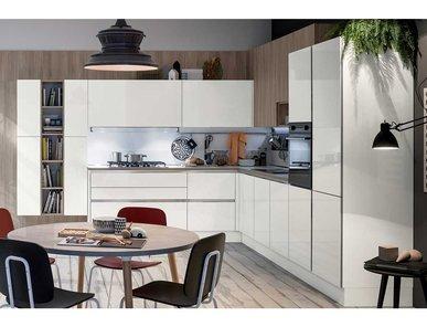 Итальянская кухня LIKE 01 фабрики VENETA CUCINE