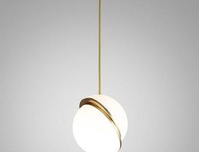 Светильник подвесной Crescent Light D25 Gold от дизайнера Lee Broom