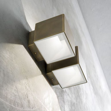 Настенный светильник Cubetto фабрики Aldo Bernardi
