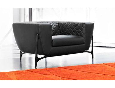 Итальянское кресло MBS035 фабрики FORMITALIA