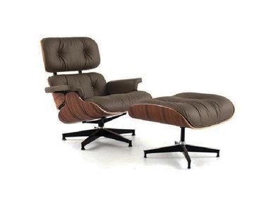 Кресло Eames Style Lounge Chair & Ottoman Premium коричневая кожа от дизайнера CHARLES & RAY EAMES