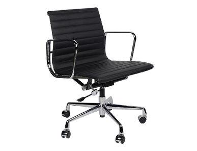 Кресло Eames Style Ribbed Office Chair EA 117 черная кожа от дизайнера CHARLES & RAY EAMES
