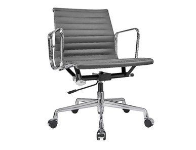 Кресло Eames Style Ribbed Office Chair EA 117 кожа графит от дизайнера CHARLES & RAY EAMES