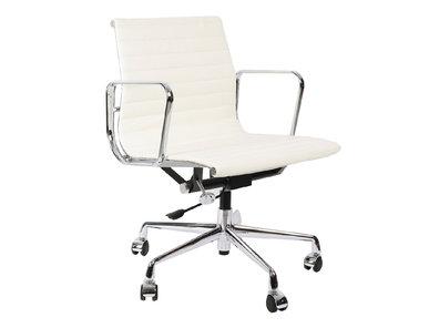 Кресло Eames Style Ribbed Office Chair EA 117 белая кожа от дизайнера CHARLES & RAY EAMES