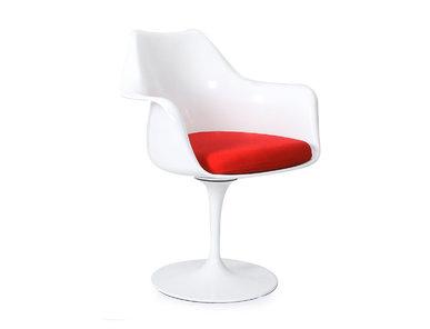 Стул Tulip Armchair красная подушка от дизайнера EERO SAARINEN
