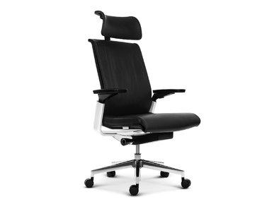 Эргономичное кресло руководителя Match черная кожа от студии дизайна BARTOLI DESIGN
