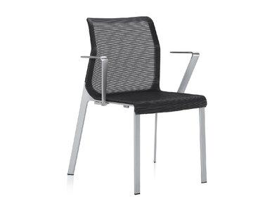 Кресло Pegus с подлокотниками от студии дизайна BARTOLI DESIGN