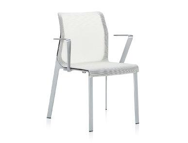 Кресло Pegus с подлокотниками белое от студии дизайна BARTOLI DESIGN