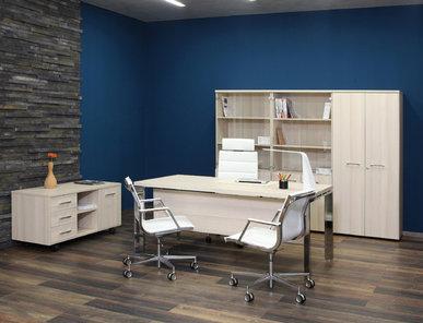 Офисный стол Fermo Light 160 см хромированные опоры от дизайнерской студии Profoffice