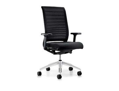 Рабочее кресло Hero (алюминиевая база на колесиках, черное) фабрики Interstuhl