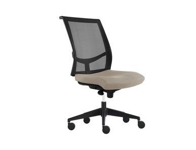 Рабочее кресло EVA.II (черная рама, пластиковая база на колесиках) фабрики Narbutas