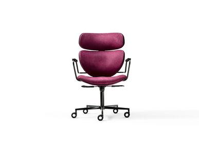 Итальянское кресло Asia Office фабрики BLACK TIE