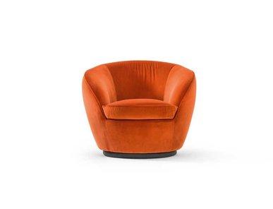 Итальянское кресло Giulia Swivel фабрики BLACK TIE