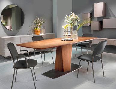 Итальянский стол Clark фабрики EMMEBI