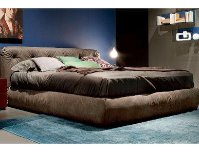Итальянская кровать Vittoria фабрики EMMEBI