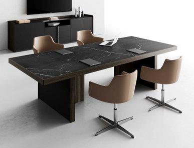 Итальянский стол для переговоров Vittoria фабрики CUF Milano