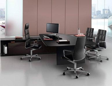 Итальянский стол для переговоров KEYPIECE фабрики CUF Milano