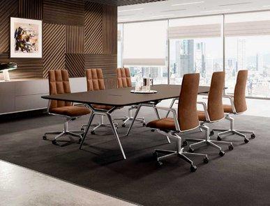 Итальянский стол для переговоров CONFERENCE-X фабрики CUF Milano