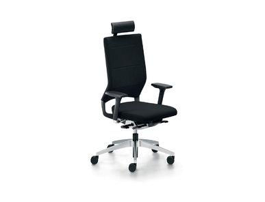 Итальянское кресло QUARTERBACK фабрики CUF Milano