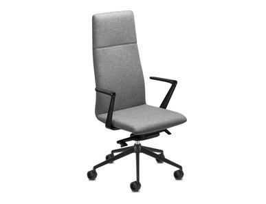 Итальянское кресло Line Executive фабрики Sitland
