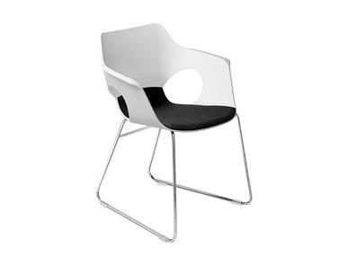 Итальянский стул с подлокотниками Hug фабрики Sitland