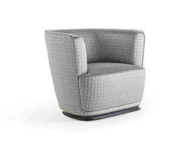 Итальянское кресло LOLLO фабрики RUBELLI CASA