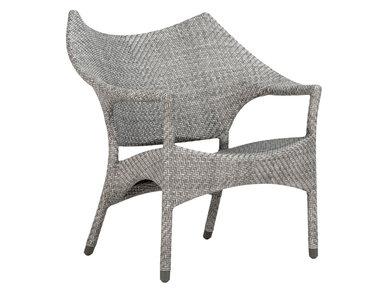 Итальянское кресло AMARI LOUNGE фабрики JANUS ET CIE