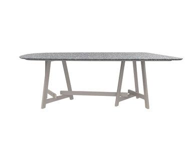 Итальянский овальный стол CHOPSTIX 219 фабрики JANUS ET CIE