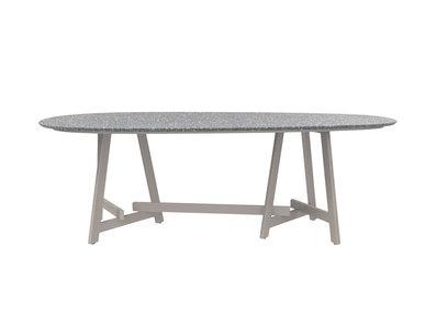 Итальянский овальный стол CHOPSTIX 221 фабрики JANUS ET CIE