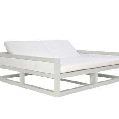 Итальянская кровать с подлокотниками DUO фабрики JANUS ET CIE