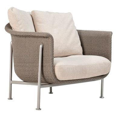 Итальянское кресло GINA GRANDE LOUNGE фабрики JANUS ET CIE