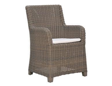 Итальянский стул с подлокотниками ZEYA фабрики JANUS ET CIE