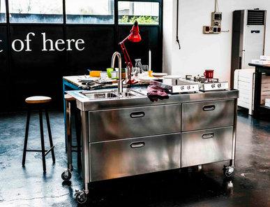Итальянский кухонный гарнитур 160 Out Of Here фабрики ALPES INOX