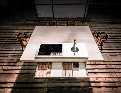 Итальянский стол для кухни 190X250 фабрики ALPES INOX