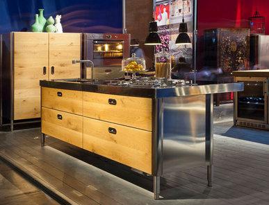 Итальянский кухонный остров 250 05 фабрики ALPES INOX