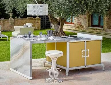 Итальянская кухня для улицы Island kitchen with Sliding Table фабрики DFN by Samuele Mazza