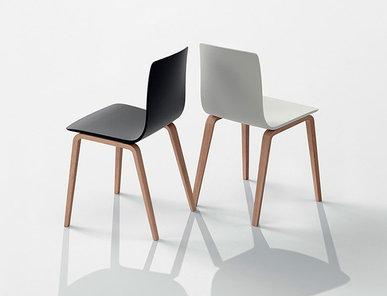 Итальянский стул Aava 4 wood legs фабрики ARPER