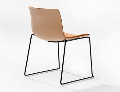 Итальянский стул Catifa 53 Sled фабрики ARPER