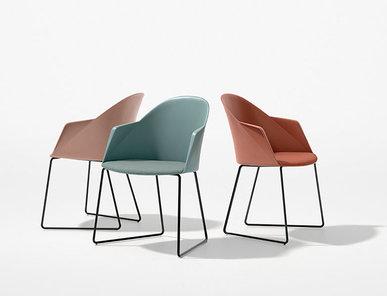 Итальянский стул с подлокотниками Cila Sled фабрики ARPER