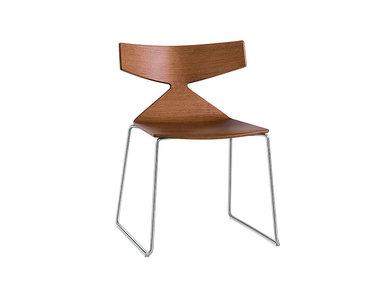 Итальянский стул Saya Sled фабрики ARPER